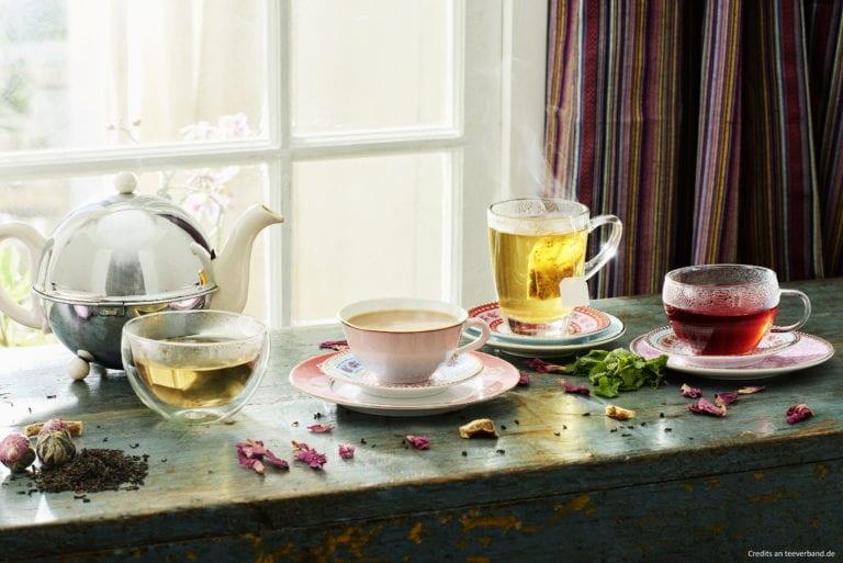 Kira Schaper vom Deutschen Tee & Kräuterverband informiert uns rund um das Thema Tee in Deutschland