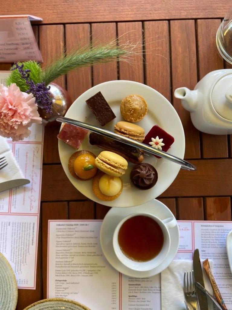 Bloggerin Sandra Wickert von Adecentcupoftea vergleicht die Britische und die Deutsche Teekultur